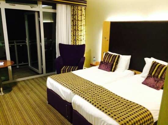 St Mellion International Resort: Bedroom with Balcony