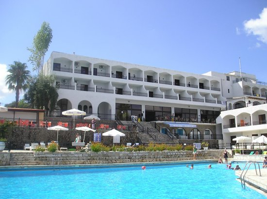 Hotel Magna Graecia: Hotel when it was sunny