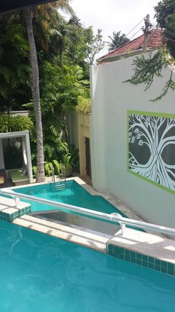 Colombo Hotel by Ceilao Villas: the pools