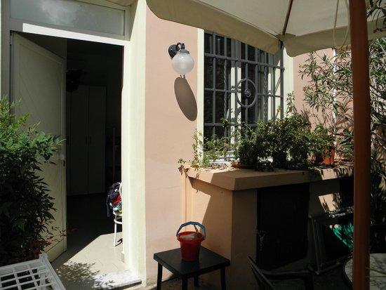 Hotel Italia: ingresso camera depandance