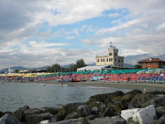 Hotel Italia : vista dal molo