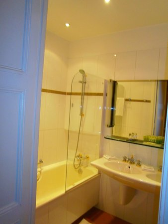 Hotel Claridge : bathroom
