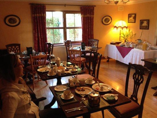 Woodlands House : Sala colazione
