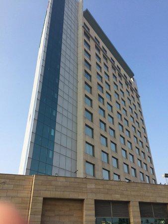 Courtyard by Marriott Gurugram Downtown: Hotel Exterior
