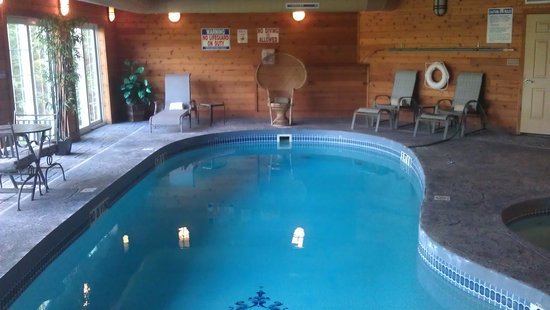 The French Manor Inn and Spa: Indoor pool