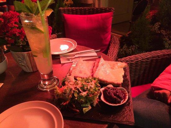 Cafe Italia: Cheese toastie and Virgin Mojito