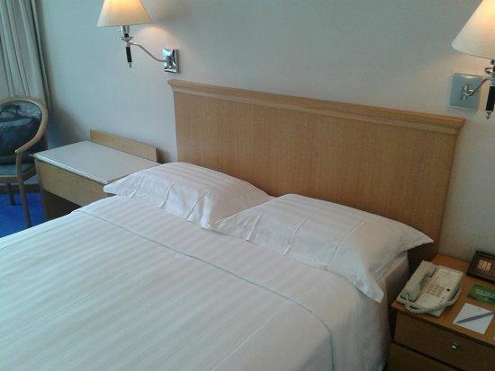 โรงแรมจีดีเอช อินน์ หัวไห่: camas confortáveis e limpas
