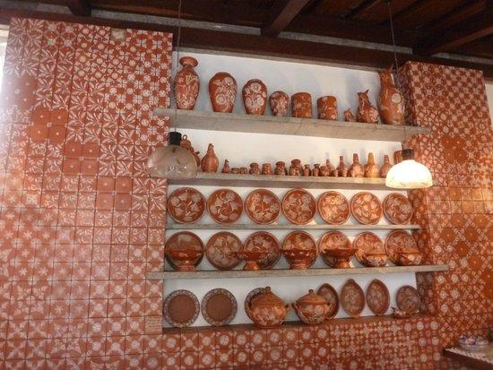 Hotel Catharina Paraguacu: Catharina Paraguaçu ...sala do café da manhã com cerâmicas