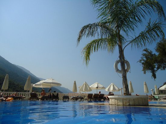 Morina Deluxe Hotel: View from the pool