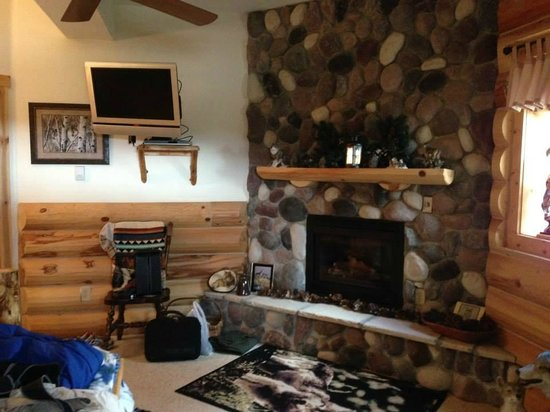 Mountain Comfort Bed & Breakfast: Wolf Room