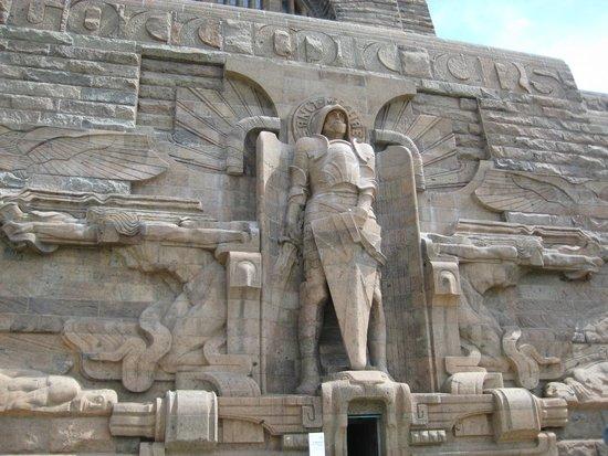 Völkerschlachtdenkmal: монумент