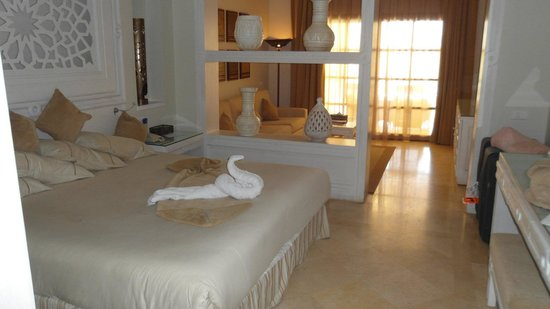 The Makadi Spa Hotel (Adults Only) : big beds and big rooms