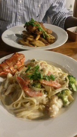 Oasis Restaurant: Fried Chicken & Lobster Pasta