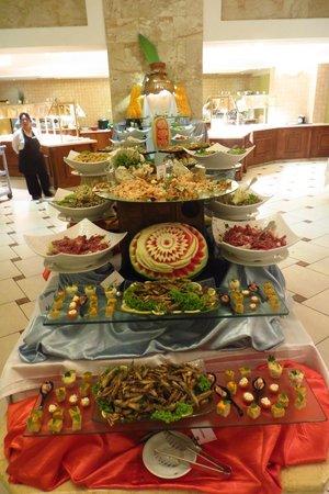 Atlantica Imperial Resort & Spa: Buffet - the good