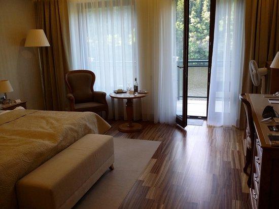 Retro Riverside Luxury Wellness Resort : Номера просторные!