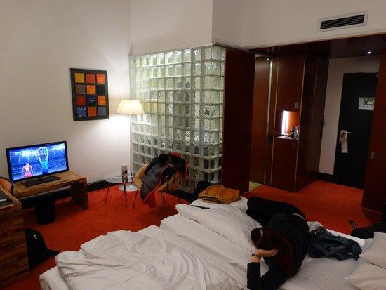 Movenpick Hotel Berlin: Room