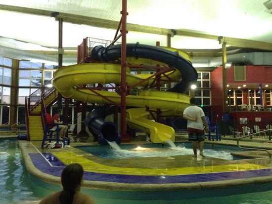 Cabins of Mackinaw: Waterpark
