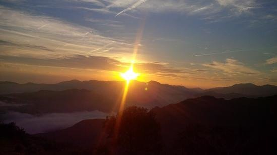 Refuge Orisson: Sunrise at Orrison