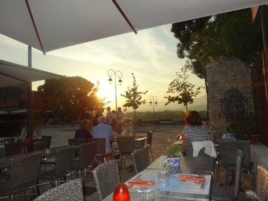 Haut de Cagnes : Sonnenuntergang Richtung Hinterland