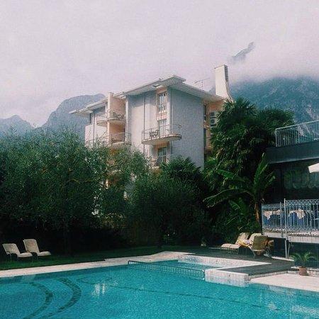 Hotel Gabry: Горы со всех сторон