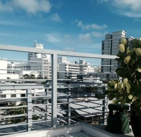 Riviera Hotel Suites South Beach Rooftop Pool As Well