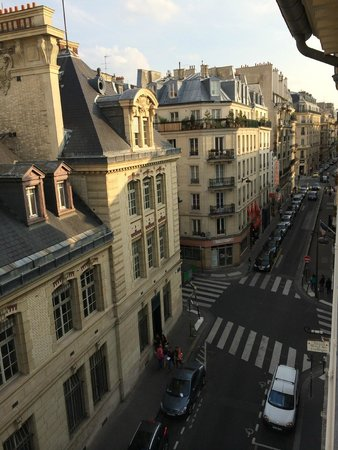 View over sorbonne rue victor cousin bild fr n hotel for Hotel design sorbonne paris 75005