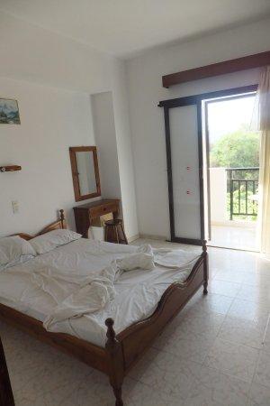 Draganikos: Double bedroom in No3 2bed apartment