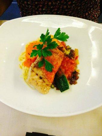 Hotel De Tuilerieen: nice dinner in local restaurant