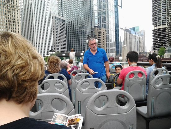Chicago Trolley & Double Decker Co. : Touring the city