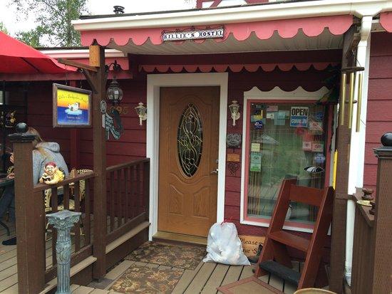 Billie's Backpackers Hostel: Entrance