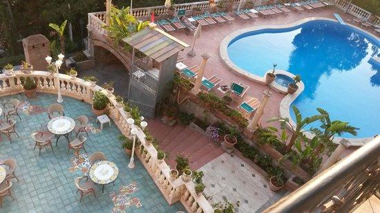 Terrazza e piscina - Picture of Taormina Park Hotel, Taormina ...