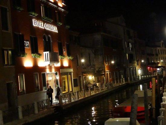 Hotel Gardena : Gorgeous waterfront view!