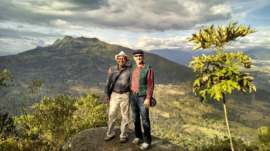 Andes EcoTours: Just 2 friends, one from South Africa and the other one from Colombia, enjoying the amazing view