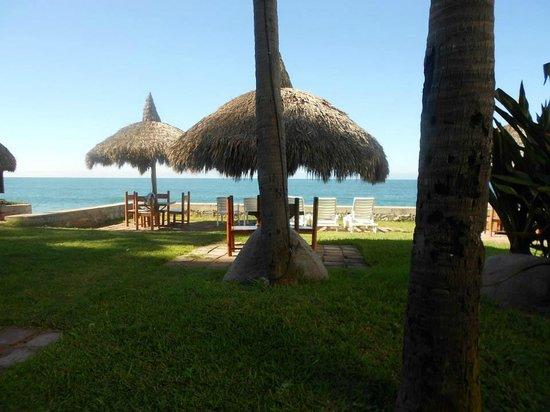 Villas El Rancho Green Resort: DESDE LA PUERTA DE VILLA CON VISTA AL MAR
