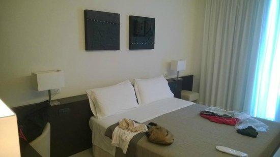 Hotel Horizon: Testiera del letto