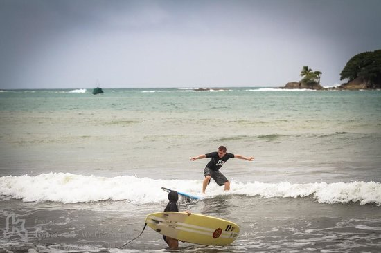 Kalon Surf - Surf Coaching Resort: Second lesson at the beach