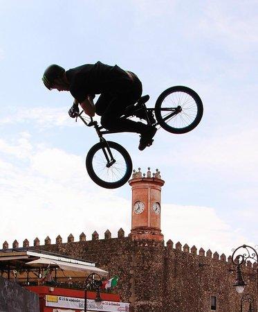 Plaza de Armas de Cuernavaca : BMX Cuernavaca style