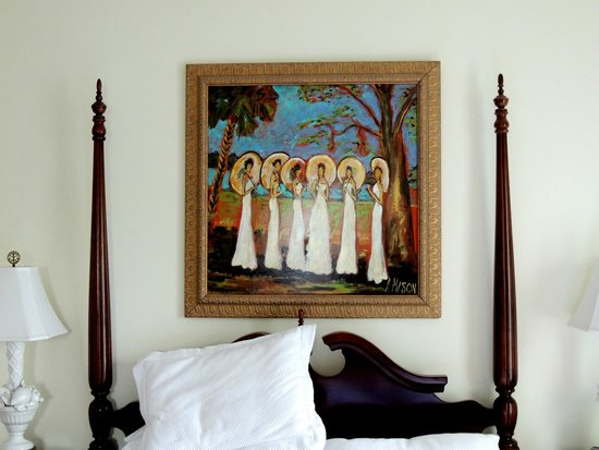 Foreman House Bed & Breakfast: A painting by Andy, one of the hosts, hangs in a bedroom