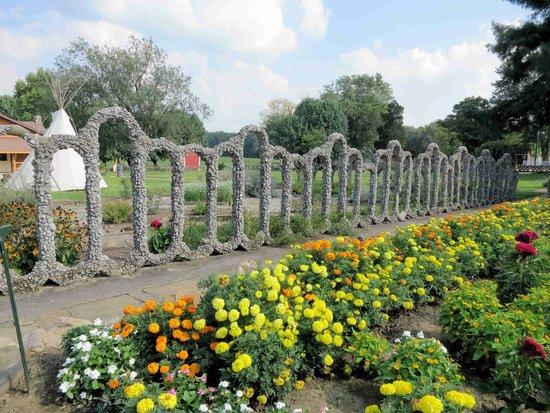 Beautiful Rockome Gardens: Rock Wall And Flower Garden