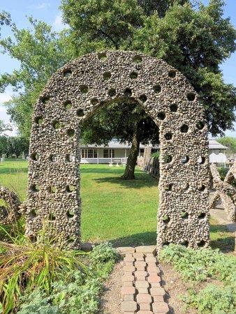 Rockome Gardens: Interesting Rock Archway
