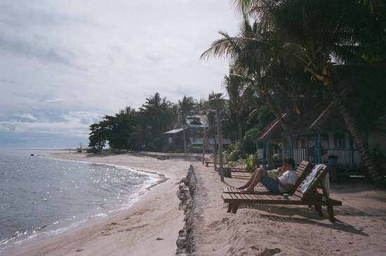 Modessa Island Resort: in front of our huts/rooms