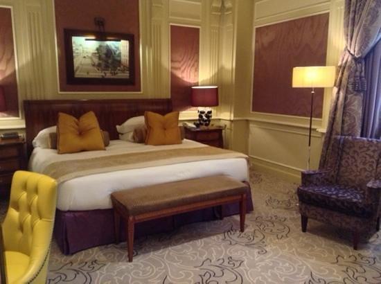 Hotel Principe Di Savoia: um dos quartos