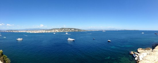 Hôtel Barrière Le Majestic Cannes: View from the Island