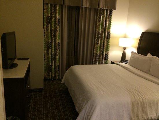 Hilton Garden Inn Raleigh-Cary: King extended room - bedroom