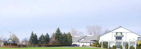 Days Inn Shelburne/burlington: Front View