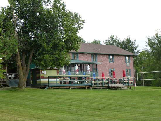 Riverview Lodge : Back of Riverview Inn