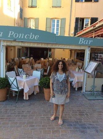 Hotel La Ponche: habitaciones y restaurant frente al mar