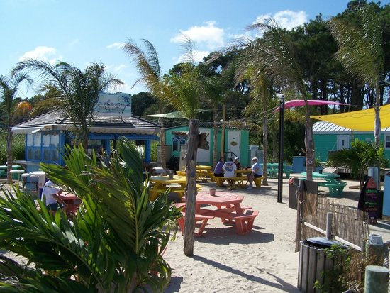 Castaways RV Resort & Campground : Beach Bar area