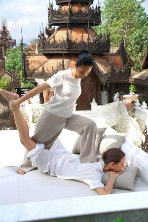 The Dheva Spa & Wellness Centre: Traditional Thai Massage