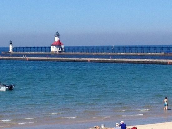 St. Joseph Lighthouses: Beautiful day!
